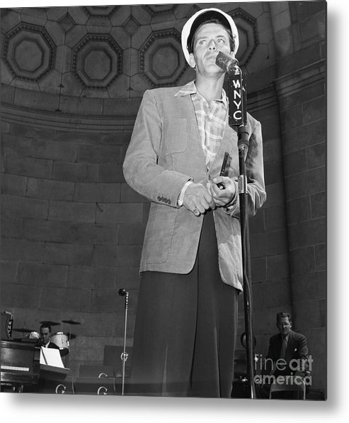 Young Men Metal Print featuring the photograph Frank Sinatra Crooning Into Microphone by Bettmann