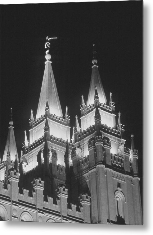 Lds Metal Print featuring the photograph Salt Lake Temple Night by Troy Montemayor
