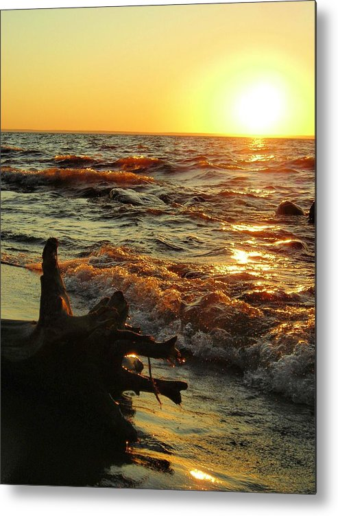 Sunset Metal Print featuring the photograph Sunset On The Beach by Peter Mowry