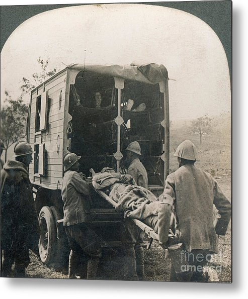 20th Century Metal Print featuring the photograph Ww I: Wounded/medics by Granger
