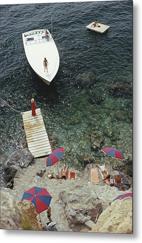People Metal Print featuring the photograph Coming Ashore by Slim Aarons