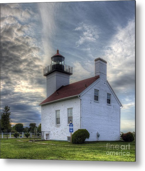 Escanaba Metal Print featuring the photograph Escanaba Lighthouse by Twenty Two North Photography