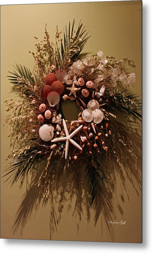 Wreath Metal Print featuring the photograph Nature Wreath II by Suzanne Gaff