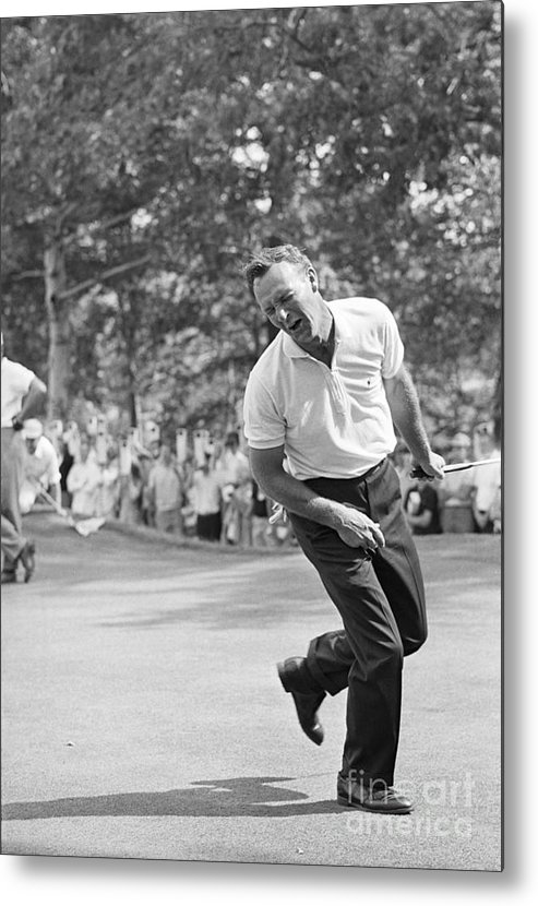 People Metal Print featuring the photograph Arnold Palmer Grimacing After Missing by Bettmann