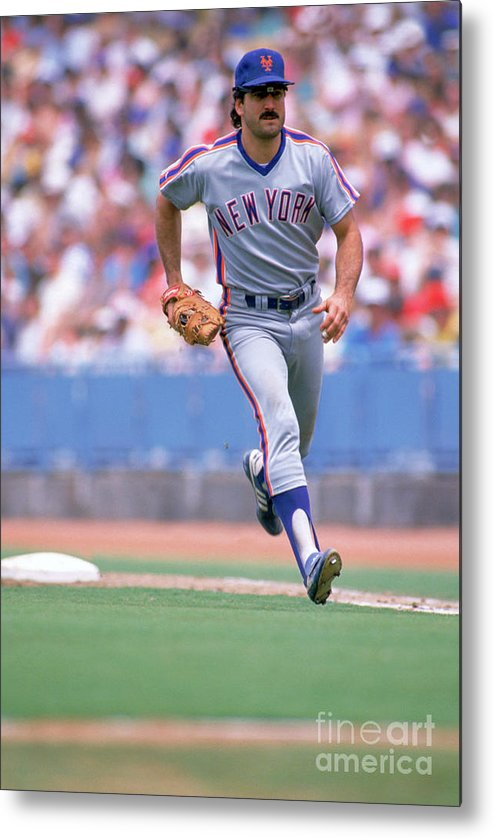 1980-1989 Metal Print featuring the photograph Keith Hernandez by Jon Soohoo