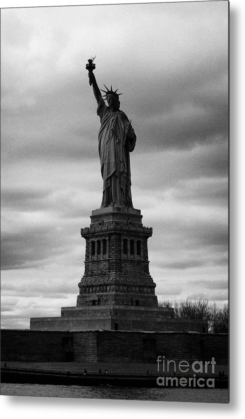 Usa Metal Print featuring the photograph Statue Of Liberty New York City by Joe Fox