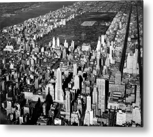 1926 Metal Print featuring the photograph Aerial View Of Central Park by Underwood Archives