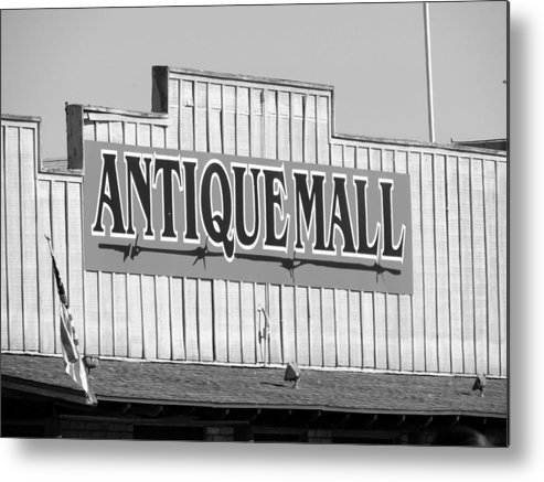 Antique Mall Metal Print featuring the photograph Funrun by Marit Runyon