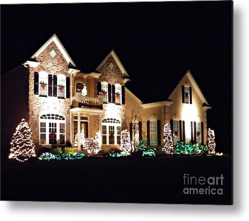 House Metal Print featuring the photograph Decorated For Christmas by Sarah Loft