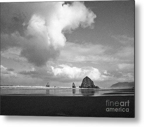Oregon Metal Print featuring the photograph Fluffy Cloud by Joanne Riske