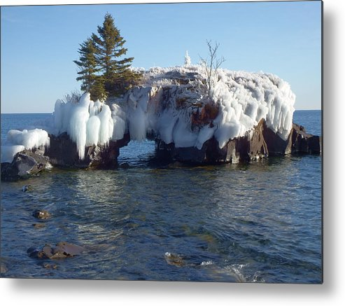 Hollow Rock Metal Print featuring the photograph Hollow Rock by Alison Gimpel