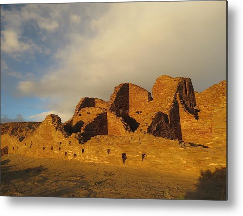 Chaco Metal Print featuring the photograph Pueblo Del Arroyo At Sunset II by Feva Fotos