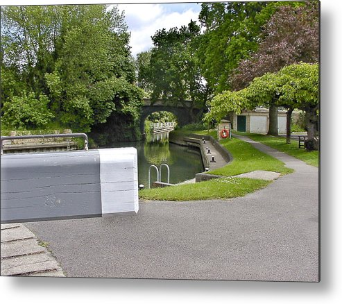 R Thames Boats Water Metal Print featuring the photograph St Johns Lock by Fred Whalley
