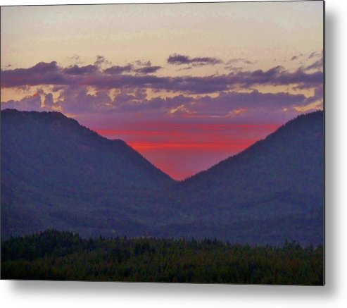 Mountains Metal Print featuring the photograph Sunset In The Heart Of The Mountains by Ann Michelle Swadener