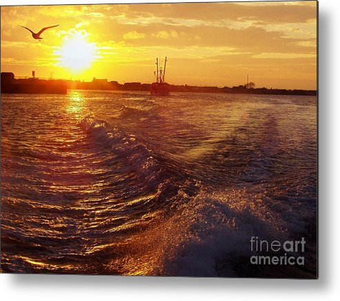 The End To A Fishing Day Metal Print featuring the photograph The End To A Fishing Day by John Telfer