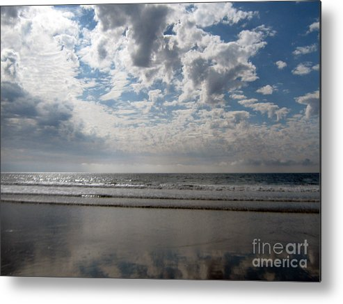 Pacific Metal Print featuring the photograph Back To Basics On The Pacific by Stephanie Peters