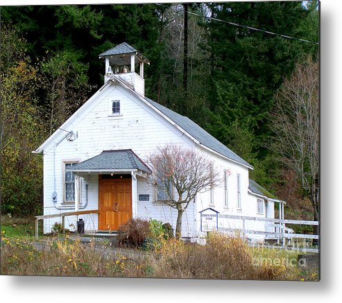 Old Church Building Metal Print featuring the photograph Christs Church At Elbe Washington by Kathy White