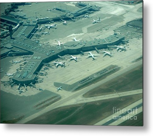 Commerical Planes Metal Print featuring the photograph Van Interntaional Airport by Virginia Black