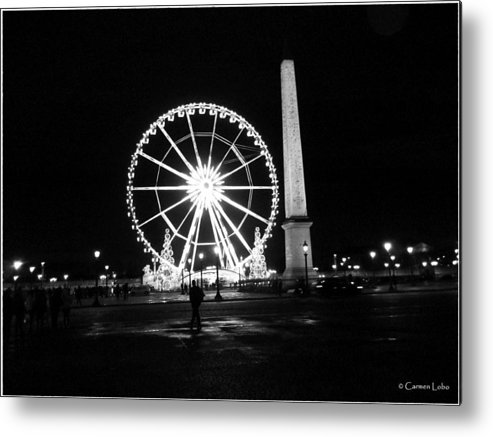 Paris Metal Print featuring the photograph Le Mouvement Perpetuel by Carmen Lobo