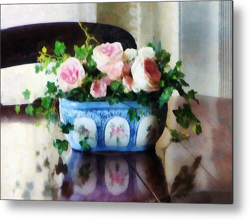 Rose Metal Print featuring the photograph Pink Roses And Ivy by Susan Savad