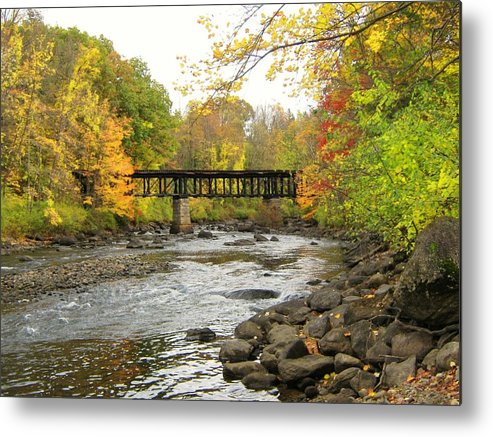 Nh Metal Print featuring the photograph Sulphite Covered Bridge by Wayne Toutaint
