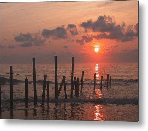 Horizontal Metal Print featuring the photograph Usa, Pennsylvania, Scenic Sunset Over Sea by Calysta Images