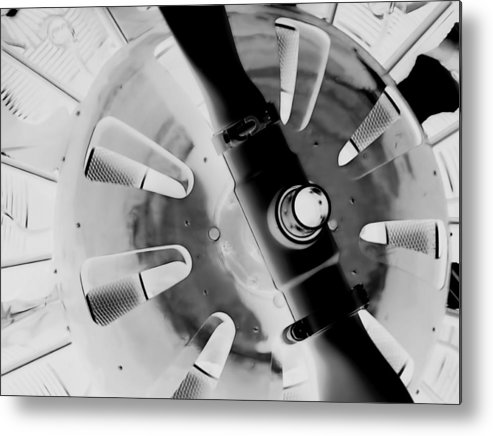 Abstract Metal Print featuring the photograph Black And White Abstract 1 by Cathy Anderson