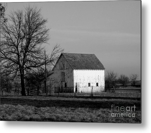 Barn Metal Print featuring the photograph Black And White Barn Ll by Michelle Hastings