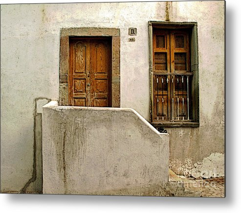 Darian Day Metal Print featuring the photograph Casa De Crema 2 by Mexicolors Art Photography
