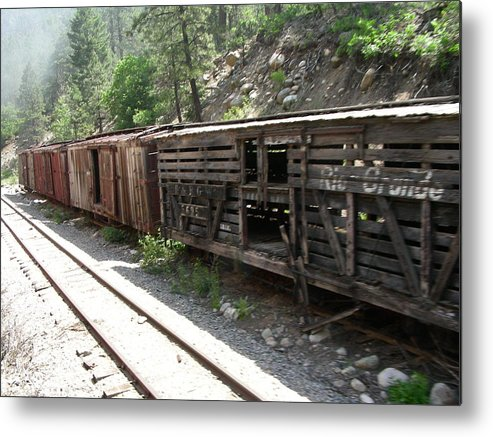 Train Metal Print featuring the photograph Grand Ole by Peter McIntosh