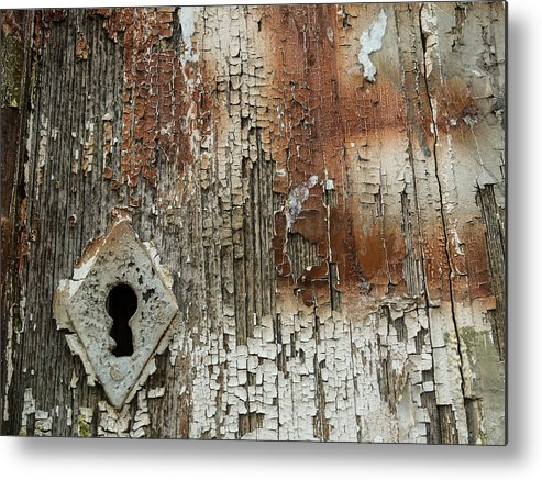 Keyhole Metal Print featuring the photograph Key Hole by Pedro Alexandre Soares da Conceicao
