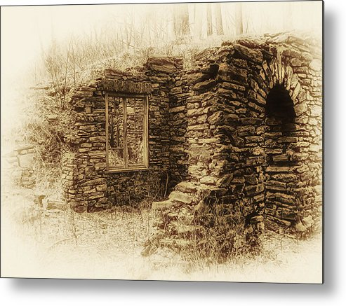 Old House Metal Print featuring the photograph Living In The Past by Bill Cannon