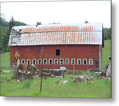 Barn Photos Metal Print featuring the photograph Many Windowed Barn Washington State by Laurie Kidd