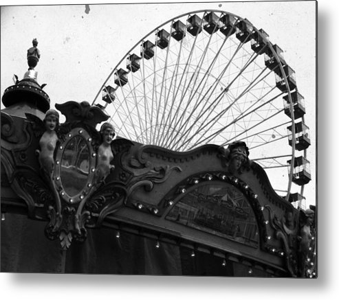 Navy Pier Metal Print featuring the photograph Pier Park Navy Pier Chicago by Kyle Hanson