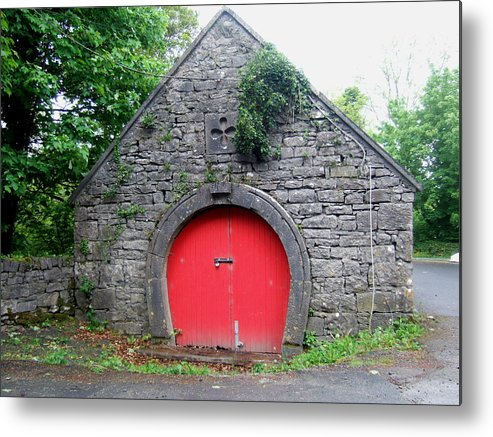 Barn Metal Print featuring the photograph Red Barn Door In Ireland by Jeanette Oberholtzer