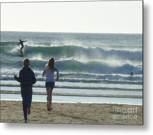 Metal Print featuring the photograph Run To The Surf by Jane Stanley