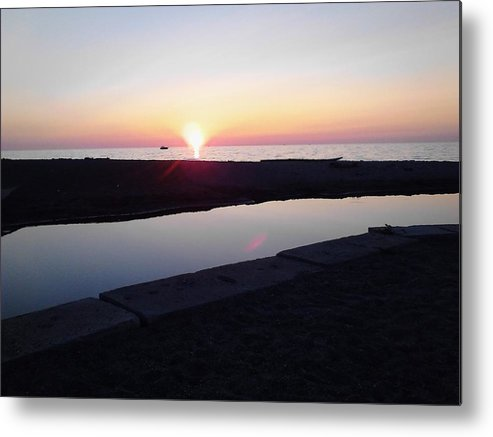 Sunset Metal Print featuring the photograph Lake Erie Sunset by John Parry