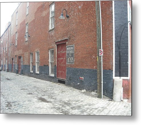 Richmond Metal Print featuring the photograph The Cobblestone Alley by Karen C