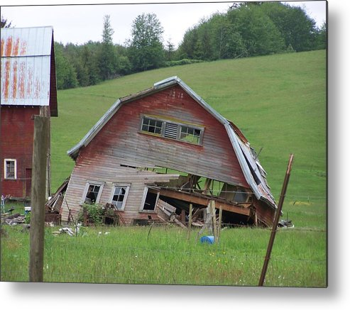 Barn Photos Metal Print featuring the photograph Tired Old Barn Washington State by Laurie Kidd