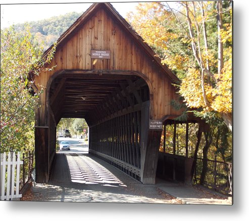 Woodstock Metal Print featuring the photograph Woodstock Middle Bridge by Catherine Gagne