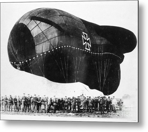 1914 Metal Print featuring the photograph World War I: Airship by Granger