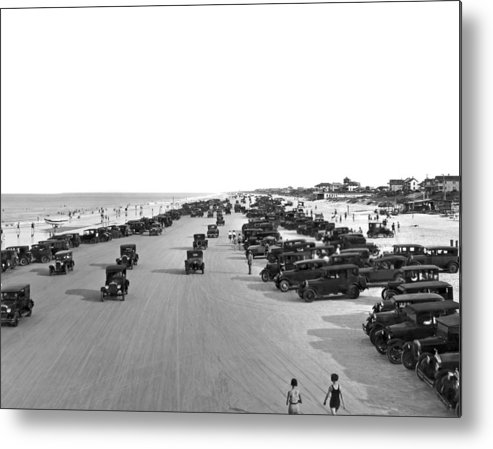 1925 Metal Print featuring the photograph Daytona Beach, Florida. by Underwood Archives