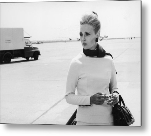 Actress Metal Print featuring the photograph Actress Faye Dunaway In The Movie A by Keystone-france