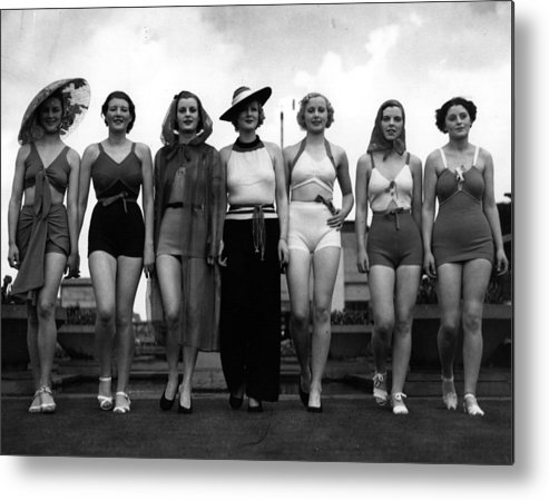 People Metal Print featuring the photograph Bathing Beauties by David Savill