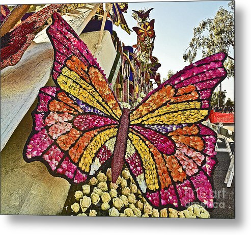 2015 Rose Parade Metal Print featuring the photograph 2015 Rose Parade Float With Butterflies 15rp043 by Howard Stapleton