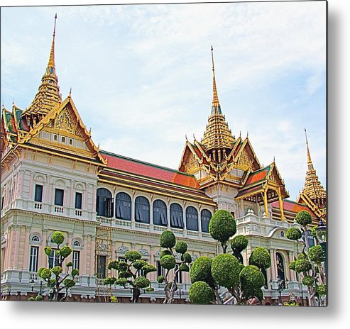 Front Of Reception Hall At Grand Palace Of Thailand In Bangkok Metal Print featuring the photograph Front Of Reception Hall At Grand Palace Of Thailand In Bangkok by Ruth Hager