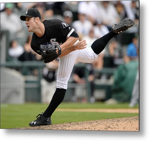American League Baseball Metal Print featuring the photograph Minnesota Twins V Chicago White Sox by Ron Vesely