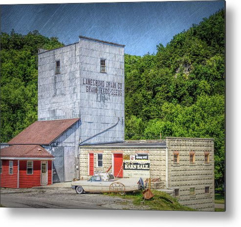 Lanesboro Metal Print featuring the photograph Lanesboro Grain Elevator by Tom Reynen