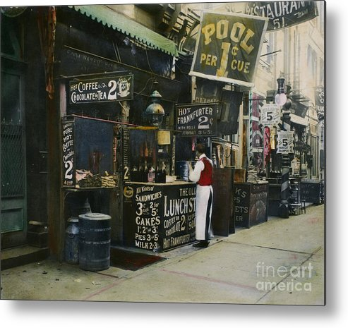 1905 Metal Print featuring the photograph New York City Restaurant by Granger