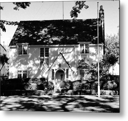 The English Tutor House Metal Print featuring the photograph The English Tutor House by Peggy Leyva Conley